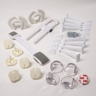 No 90 3 EU 22 Piece Home Safety Starter Pack Contents